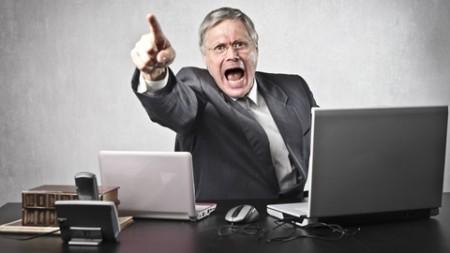 Un homme licencie son employé verbalement; avocat en licenciement verbal